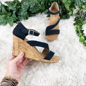 TOMS Black Clarissa Wedges EUC Platform Sandals